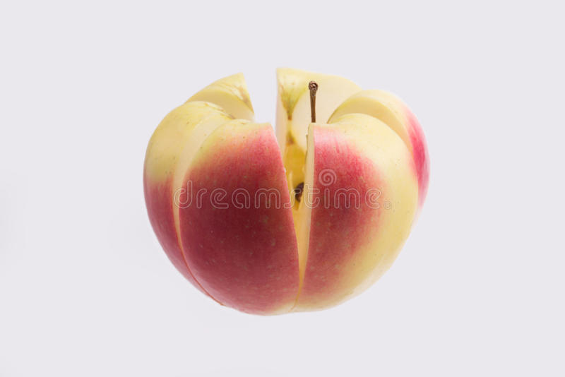 η κοπή μήλων απομόνωσε το λευκό στοκ εικόνες με δικαίωμα ελεύθερης χρήσης