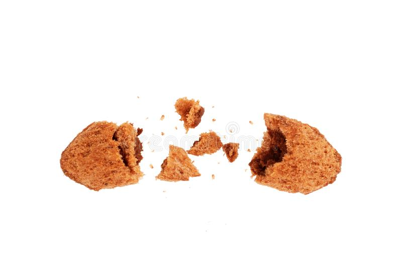 Η κρίσιμη στιγμή καλαμποκιού σοκολάτας είναι σπασμένη στα κομμάτια σε ένα άσπρο υπόβαθρο στοκ φωτογραφία με δικαίωμα ελεύθερης χρήσης