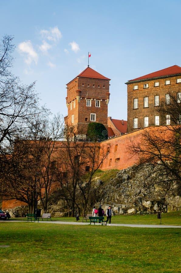 Η Κρακοβία Wawel Castle στο ηλιοβασίλεμα τέλη Φεβρουαρίου, ηρεμεί το θερμό ε στοκ εικόνες