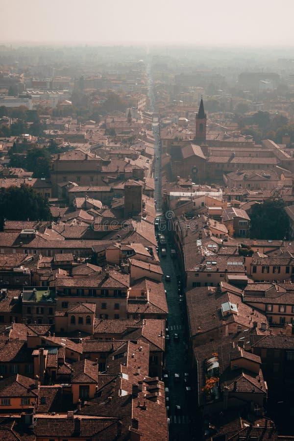 Η κόκκινη όμορφη πόλη της Μπολόνιας στοκ εικόνα με δικαίωμα ελεύθερης χρήσης