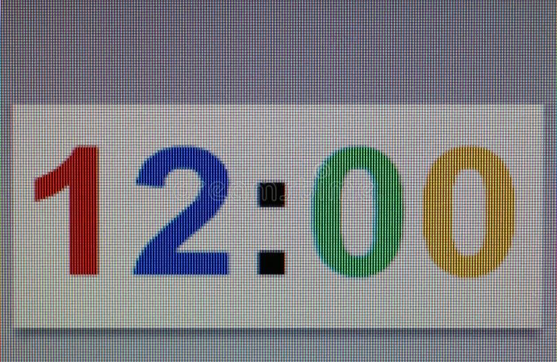 Η μακρο φωτογραφία του αριθμού είναι ανοικτή ρολόι δώδεκα ο ` μηά λεπτά στοκ εικόνες με δικαίωμα ελεύθερης χρήσης