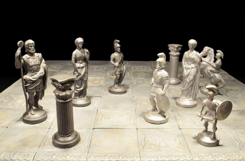 η μαύρη μεταφορά συντρόφων κυριώτερης απώλειας παιχνιδιών τελών σκακιού επιχειρησιακού ελέγχου χαρτονιών μονοχρωματική πέρα από τ στοκ φωτογραφίες με δικαίωμα ελεύθερης χρήσης