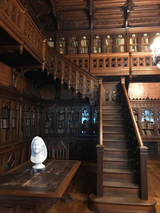 Η μεγάλη αίθουσα της ιστορικής βιβλιοθήκης της Μόσχας στοκ εικόνες