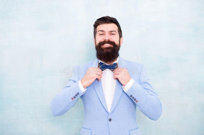 Η μεγάλη ημέρα μου Καλά καλλωπισμένος τύπος στο γαμήλιο σμόκιν Επίσημο κοστούμι hipster ατόμων γενειοφόρο με το δεσμό τόξων E Επί στοκ εικόνες