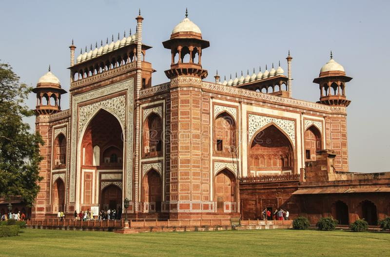 Η μεγάλη πύλη σε Taj Mahal, Agra, Ινδία στοκ εικόνα