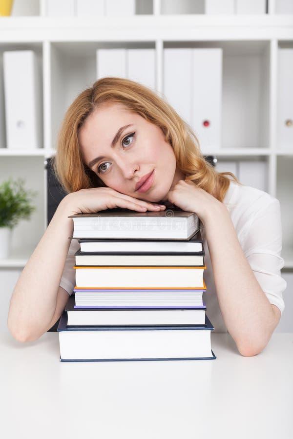 Η μελέτη είναι σκληρή στοκ φωτογραφία