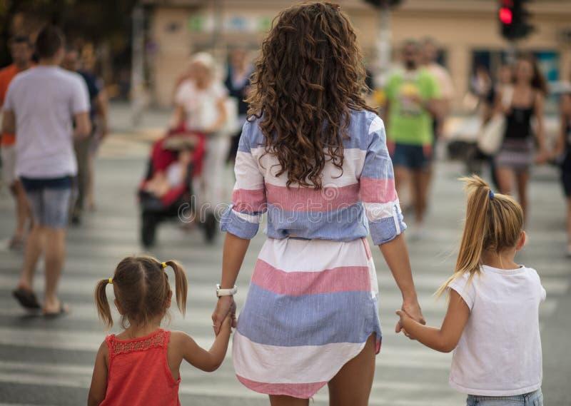 Η μητέρα θα σας καθοδηγήσει πάντα στη σωστή πορεία στοκ φωτογραφία με δικαίωμα ελεύθερης χρήσης