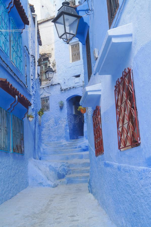 Η μπλε πόλη - Chefchaouen, MoroccoHouses στη διάσημη μπλε πόλη Chefchaouen στοκ εικόνα