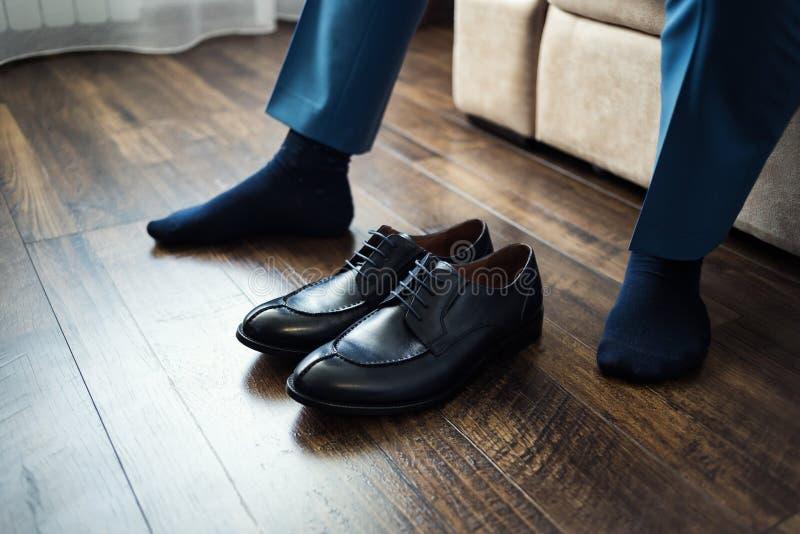 Η μόδα ατόμων, εξαρτήματα ατόμων ` s, επιχειρηματίας ντύνει τα παπούτσια, Politi στοκ εικόνα