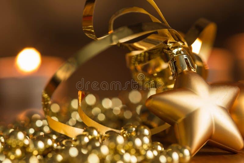 Download Η νέα διακόσμηση έτους με τα φω'τα κεριών Στοκ Εικόνες - εικόνα από πυρκαγιά, φω: 62716658