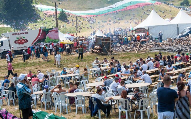Η να δειπνήσει περιοχή στο φεστιβάλ 2015 Rozhen στοκ φωτογραφίες