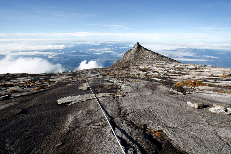 Download Η νότια αιχμή (3,922m), τοποθετεί Kinabalu Sabah Μπόρνεο Στοκ Εικόνα - εικόνα από νότος, διακοπές: 62719509