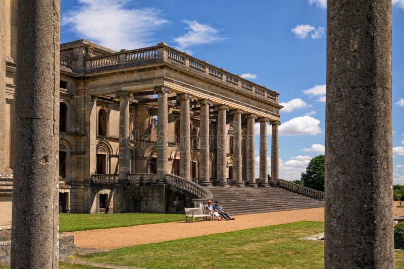 Η νότια σκεπαστή είσοδος πρόσοψης, δικαστήριο Witley, Worcestershire, Αγγλία στοκ εικόνες με δικαίωμα ελεύθερης χρήσης