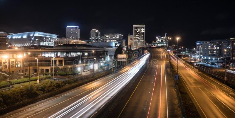 Η νύχτα πέφτει κεκλιμένη ράμπα Τακόμα Ουάσιγκτον εθνικών οδών χειμερινού ηλιοστασίου στοκ φωτογραφία με δικαίωμα ελεύθερης χρήσης
