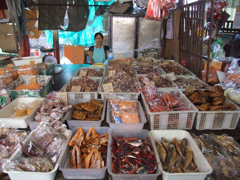 η ξηρά αγορά ψαριών πωλεί την &ta στοκ εικόνες