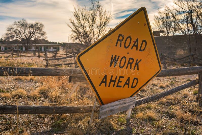 Η οδική εργασία υπογράφει μπροστά στοκ εικόνα με δικαίωμα ελεύθερης χρήσης