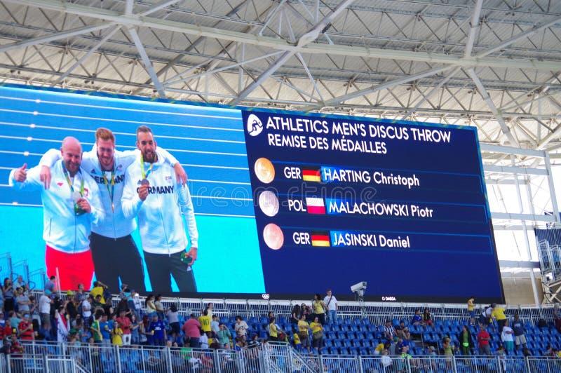 Η οθόνη με τον ολυμπιακό κάτοχο μετάλλιο του discus ατόμων ` s ρίχνει στους Ολυμπιακούς Αγώνες Rio2016 στοκ εικόνες με δικαίωμα ελεύθερης χρήσης