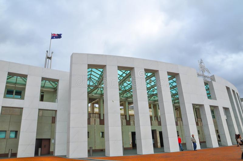 Η οικοδόμηση προσόψεων του σπιτιού των Κοινοβουλίων της Αυστραλίας στοκ εικόνες