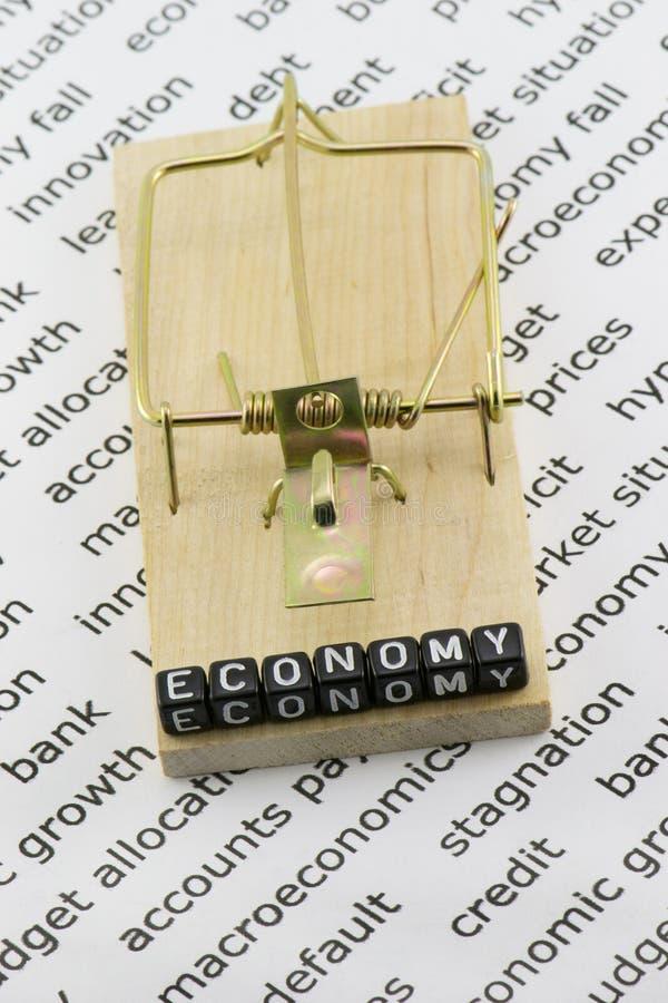 Η οικονομία είναι σε μια παγίδα στοκ φωτογραφία με δικαίωμα ελεύθερης χρήσης