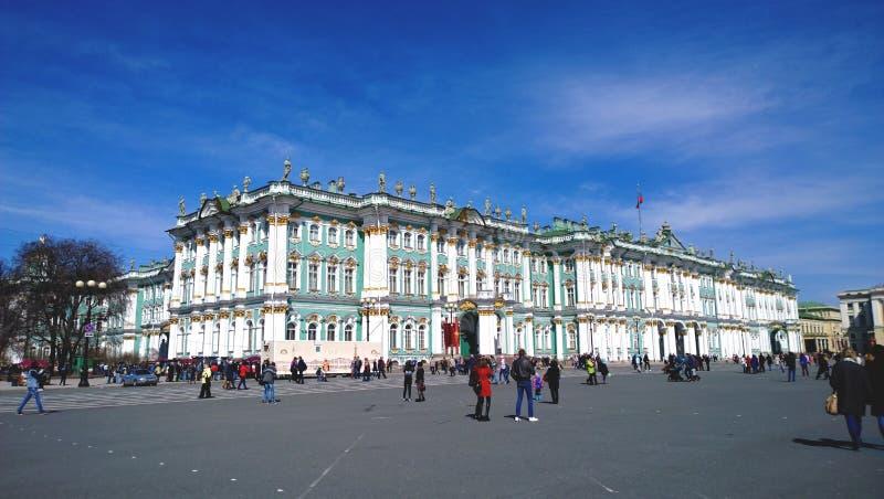 Η οικοδόμηση του μουσείου ερημητηρίων στη Αγία Πετρούπολη Το χειμερινό παλάτι στοκ εικόνες