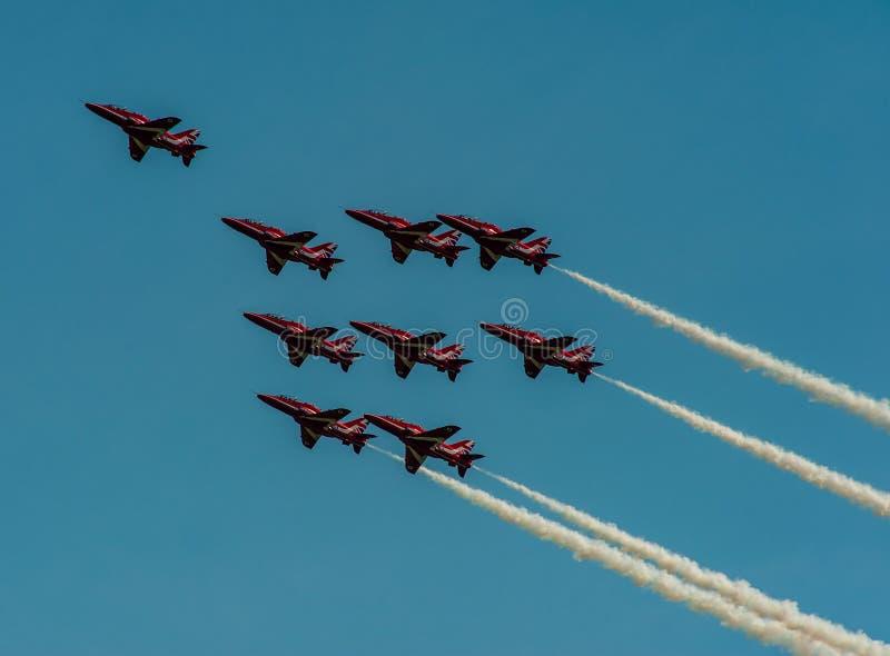 Η ομάδα της Royal Air Force Aerobatic, τα κόκκινα βέλη στοκ εικόνα