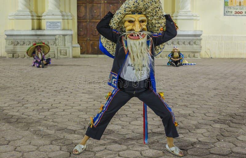 Η ομάδα χορού Tecuanes, σε αυτό το χορό, οι φυλές Chichimeca και Zapotec ενώνουν τις δυνάμεις τους για να νικήσουν την τίγρη ή τε στοκ εικόνες με δικαίωμα ελεύθερης χρήσης