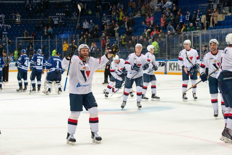 Η ομάδα Slovan χαίρεται στο παιχνίδι χόκεϋ στοκ φωτογραφία