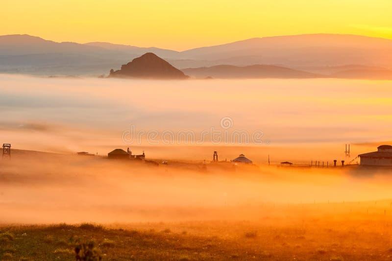 Η ομίχλη πρωινού στοκ εικόνα