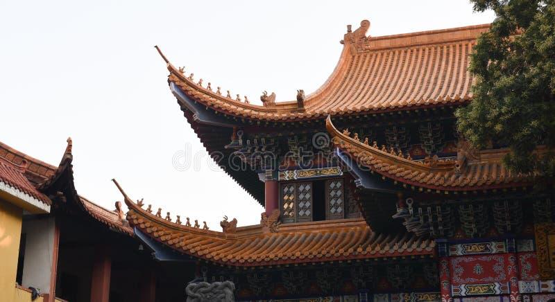 Η ομορφιά μιας κινεζικής ιστορικής ξύλινης αρχιτεκτονικής στοκ εικόνα
