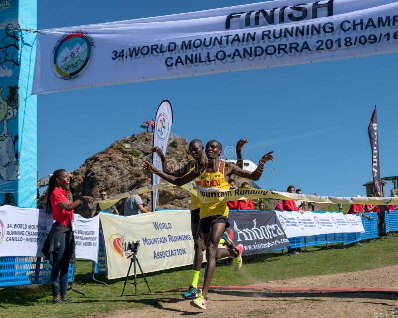Η Ουγκάντα κερδίζει την τρέχοντας φυλή πρωταθλημάτων παγκόσμιων βουνών στοκ φωτογραφίες