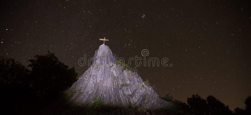 Η πέτρα Druidenstein πλησίον η Γερμανία τη νύχτα στοκ εικόνες με δικαίωμα ελεύθερης χρήσης