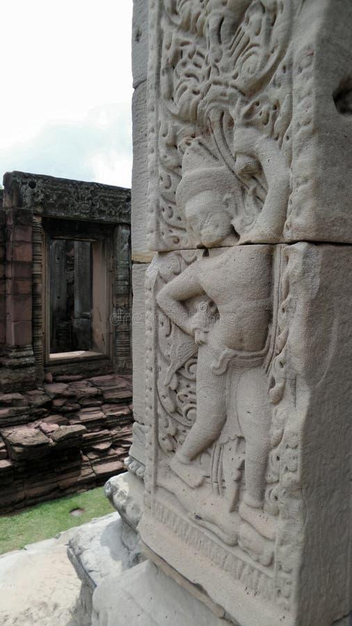 Η πέτρινη γλυπτική φυλάκων στην ιστορική κληρονομιά Phimai στοκ φωτογραφίες