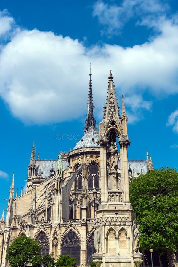 Η πίσω πλευρά της Notre Dame στο Παρίσι στοκ φωτογραφία με δικαίωμα ελεύθερης χρήσης