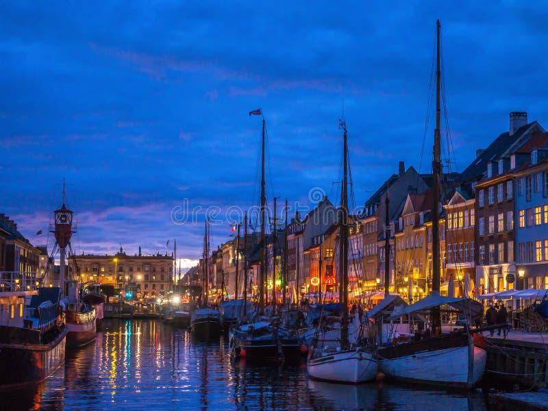 Η παλαιά λιμενική περιοχή Nyhavn στην Κοπεγχάγη στοκ εικόνες με δικαίωμα ελεύθερης χρήσης