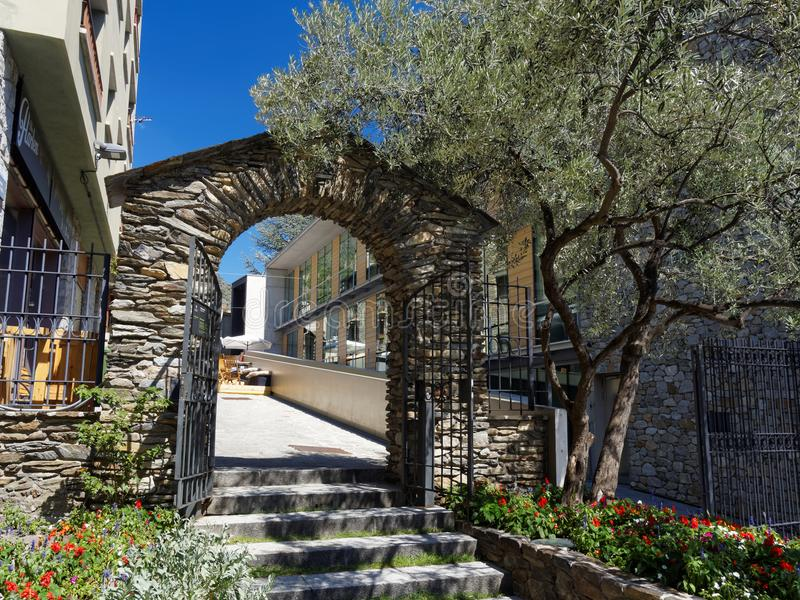 Η παλαιά πύλη στη Ανδόρα στοκ εικόνα με δικαίωμα ελεύθερης χρήσης