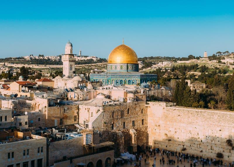 Η πανοραμική άποψη του δυτικού τοίχου και ο ναός τοποθετούν στην παλαι στοκ εικόνες με δικαίωμα ελεύθερης χρήσης