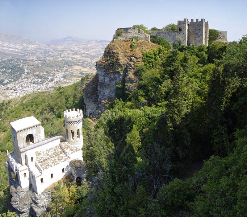 Η πανοραμική άποψη τριών αρχαίων φρουρίων Erice στοκ εικόνες