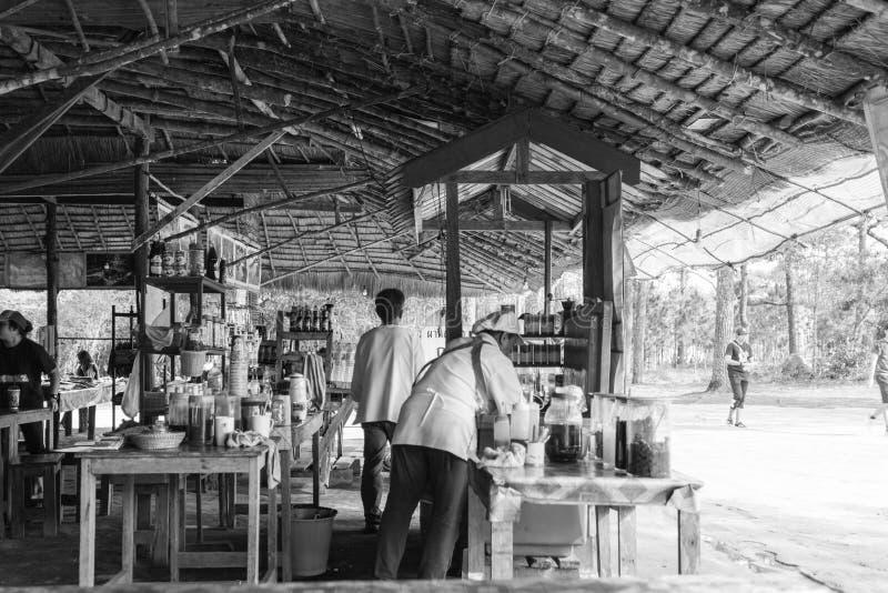 Η παραδοσιακή καφετερία είναι στις άγρια περιοχές στοκ φωτογραφίες