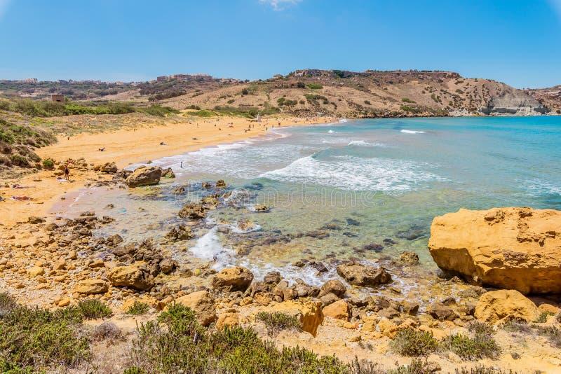 """Η παραλία Ramla, Gozo, τοποθεσία της θρυλικής σπηλιάς Ï""""Î¿Ï… Calypso στοκ εικόνες"""