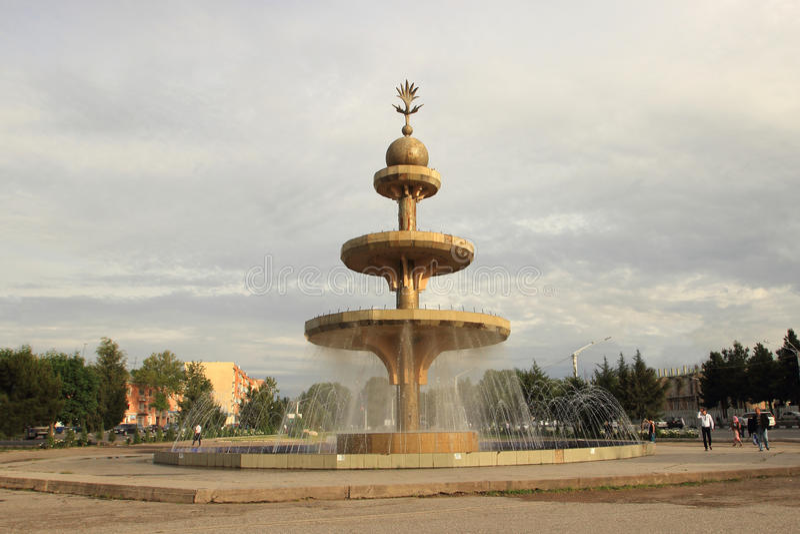 Η πηγή Ehson στην πόλη Khujand, Τατζικιστάν στοκ εικόνες