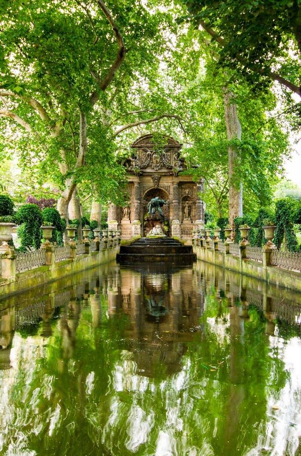 Η πηγή Medici, Παρίσι, Γαλλία στοκ φωτογραφία με δικαίωμα ελεύθερης χρήσης