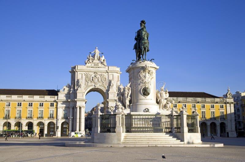 Η πλατεία Εμπορίου, το Παλάτι του ιστορικού κέντρου της Λισσαβόνας Πορτογαλία Baixa το βασιλικό χάλκινο μνημείο στοκ εικόνες
