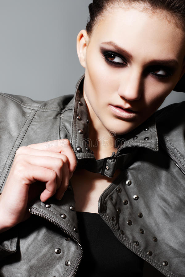 η πολυτέλεια μόδας βραδ&iot στοκ εικόνα με δικαίωμα ελεύθερης χρήσης