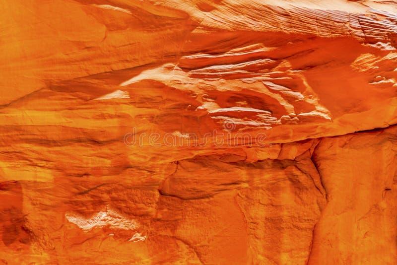 Η πορτοκαλιά περίληψη φαραγγιών βράχου ψαμμίτη σχηματίζει αψίδα το εθνικό πάρκο Moab Γιούτα στοκ εικόνα