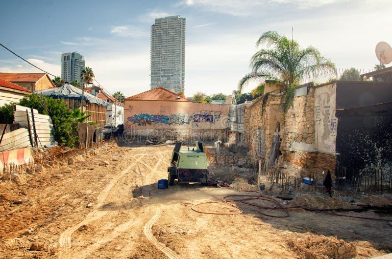 Η προετοιμασία του εργοτάξιου οικοδομής στην περιοχή Neve Tzedek στοκ φωτογραφία με δικαίωμα ελεύθερης χρήσης