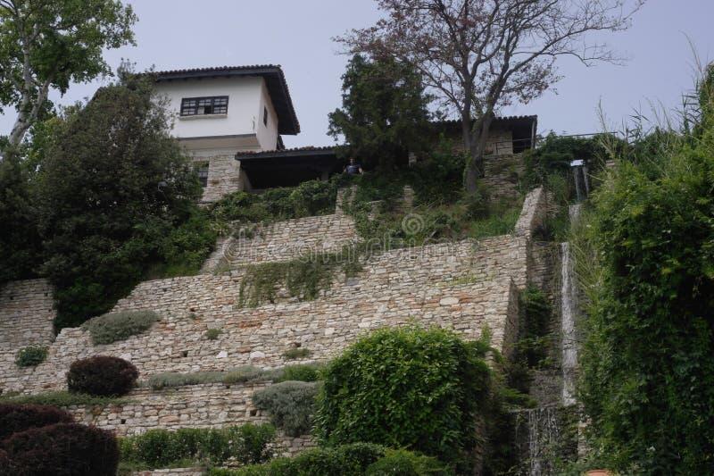 Η προηγούμενη κατοικία της ρουμανικής βασίλισσας, ο βοτανικός κήπος Balchik στοκ εικόνες