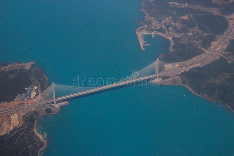Η πρωτεύουσα της Τουρκίας είναι Ιστανμπούλ Άποψη του ύψους του Bosphorus και της γέφυρας που συνδέουν την Ασία και την Ευρώπη στοκ φωτογραφίες