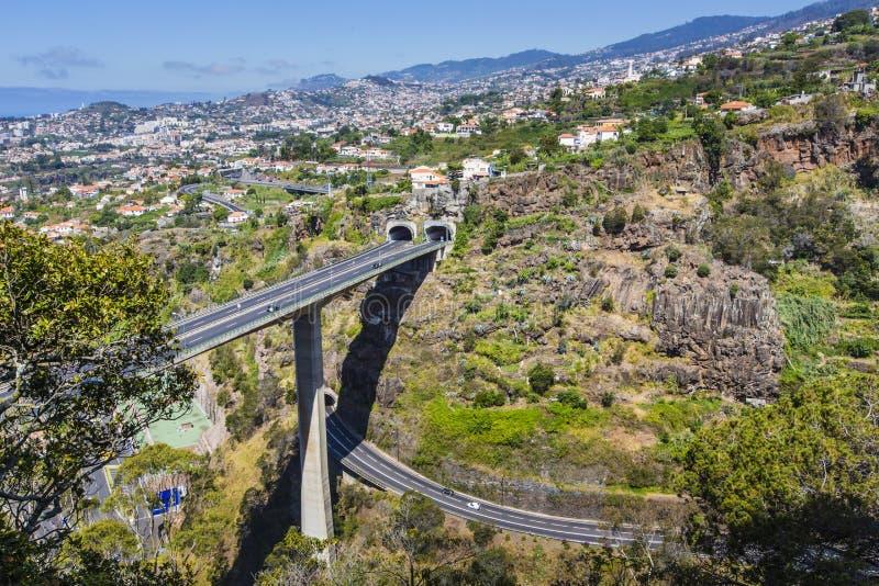 Η πρωτεύουσα του νησιού της Μαδέρας - πόλη του Φουνκάλ στοκ φωτογραφίες