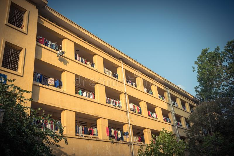 Η πρόσοψη της ένωσης ξήρανσης ήλιων διαμερισμάτων και κοιτώνων ντύνει lin στοκ εικόνα