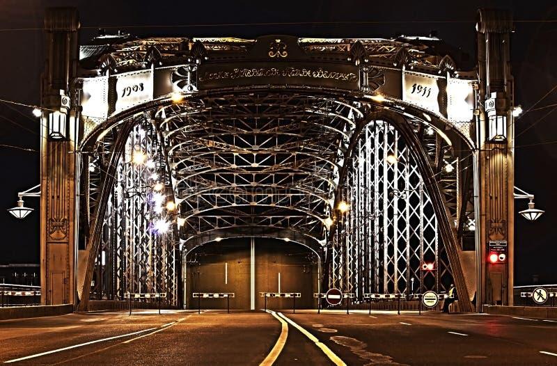 Η πρόσοψη της γέφυρας του Peter ο μεγάλος στη Αγία Πετρούπολη στοκ φωτογραφίες με δικαίωμα ελεύθερης χρήσης